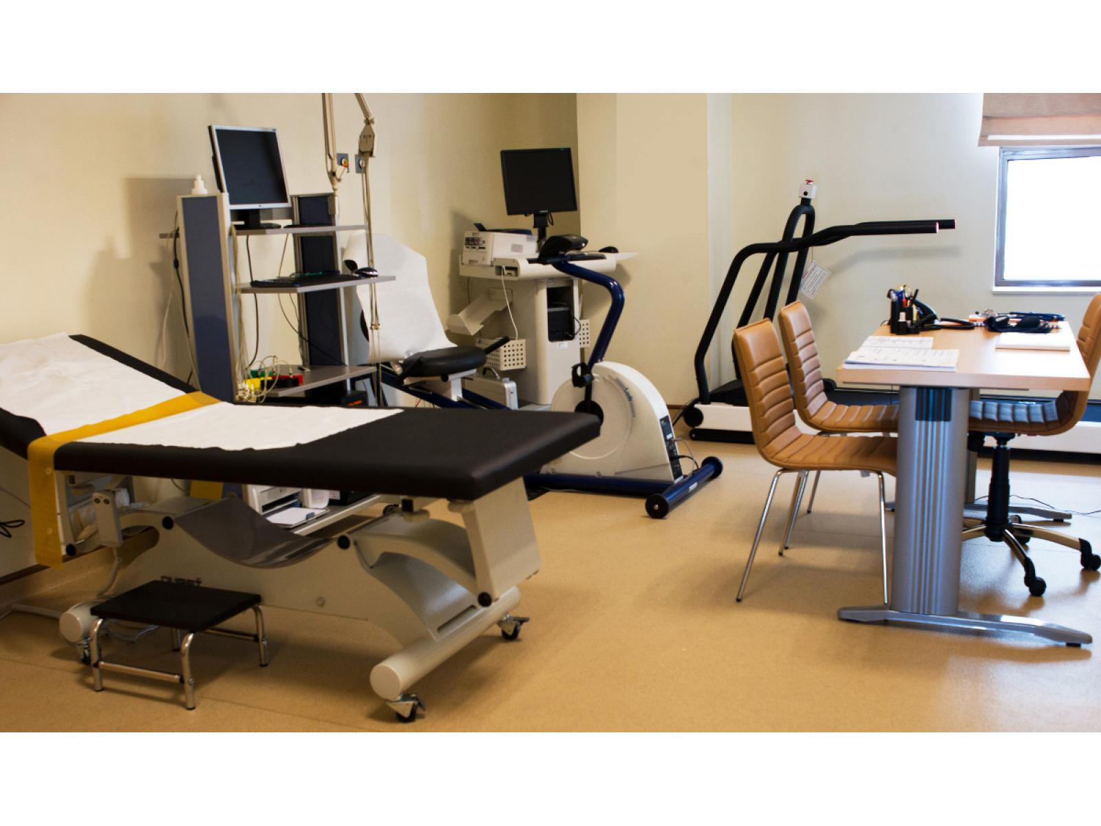 Arcadia Spitale si Centre Medicale - cabinet_explorari_fuctionale_01.jpg